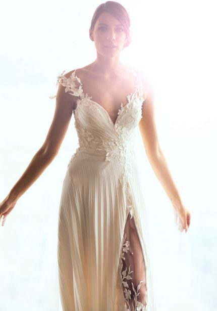 Embroidered Flowers Chiffon Wedding Dress