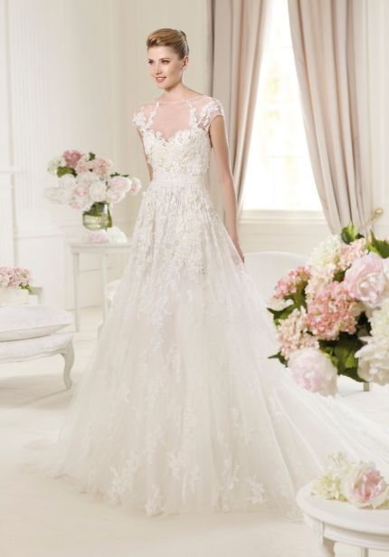 Beaded Flowers Lace Wedding Dress