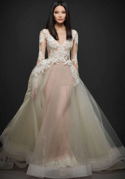 V-Neck Princess Wedding Dress in Tulle