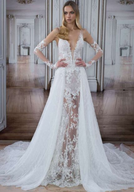 V-Neck Mermaid Wedding Dress in Lace