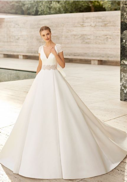 Voluminous Ball Gown With Bow Back
