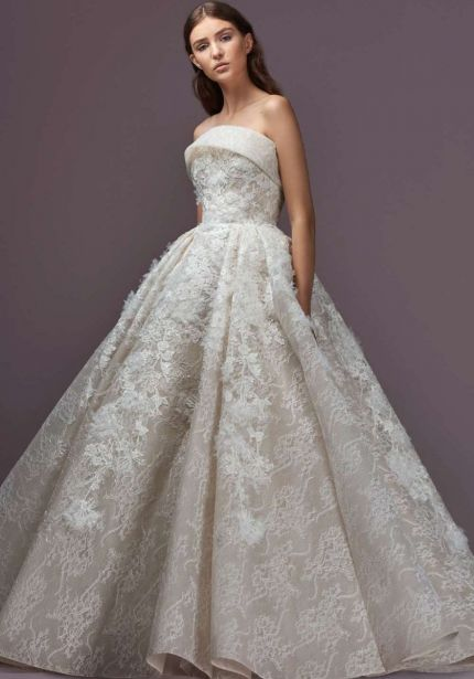 Strapless Neckline Princess Wedding Dress in Lace